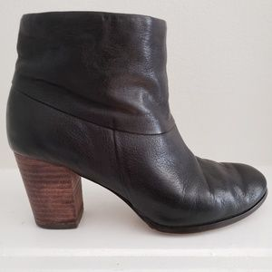 Cole Haan Nike Air Black Leather Booties Size 6